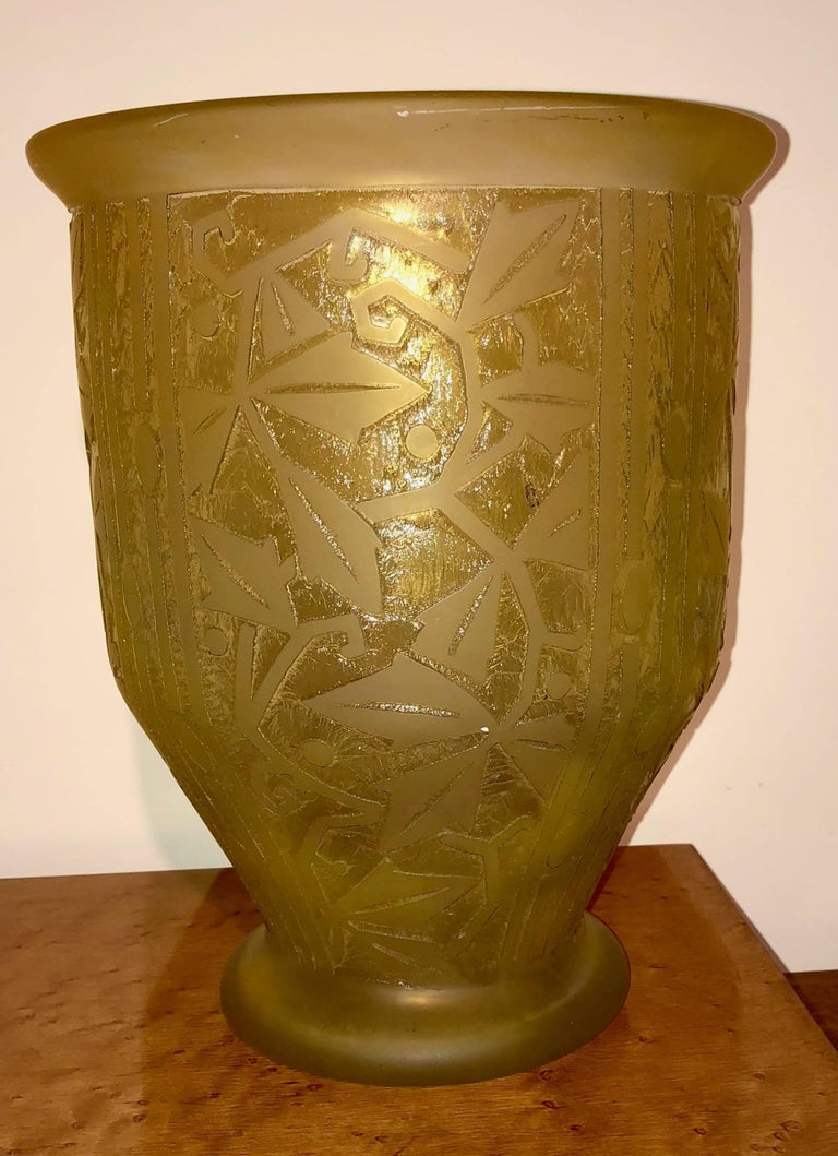 Daum Nancy Art Deco Acid Etched French Glass In Excellent Condition For Sale In Oakland, CA