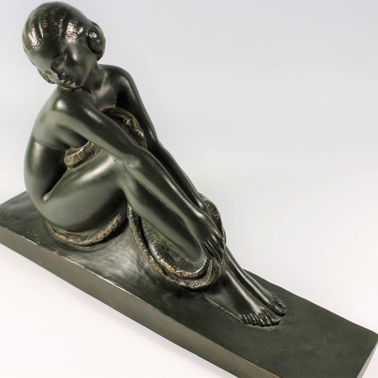 Art Deco French Bronze Seated Nude by Amedeo Gennarelli, circa 1925 Statue In Excellent Condition For Sale In Oakland, CA