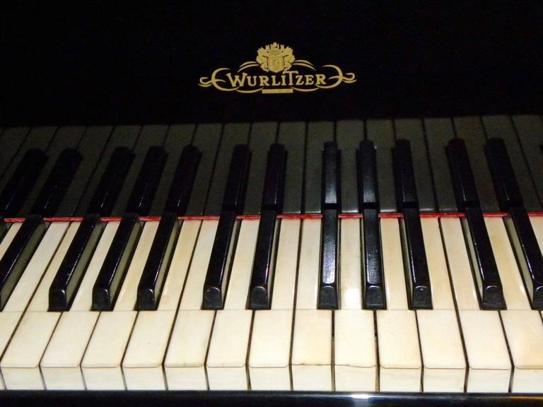 Wurlitzer Butterfly Piano Baby Grand Art Deco Streamline 5