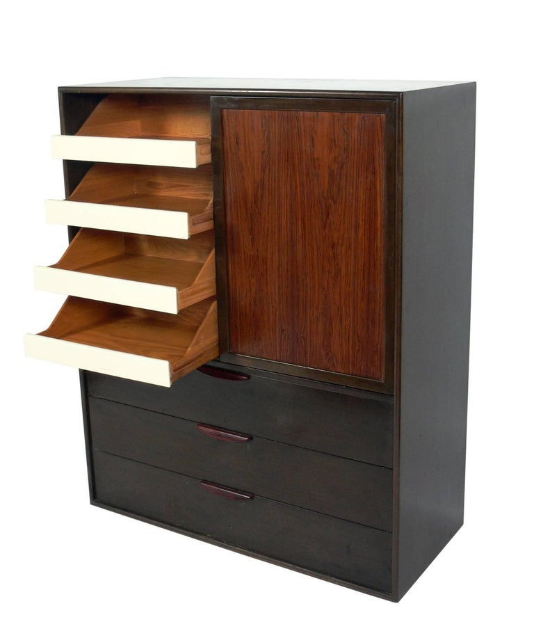 Mid-Century Modern Tall Rosewood Chest of Drawers Designed by Harvey Probber For Sale