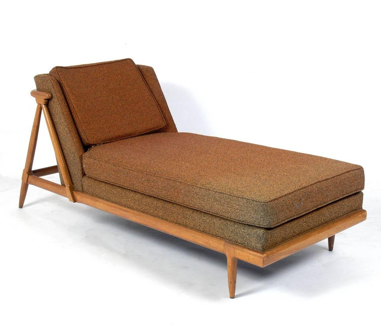 Mid-Century Modern Curvaceous Chaise Lounge Designed by Lubberts and Mulder for Tomlinson For Sale