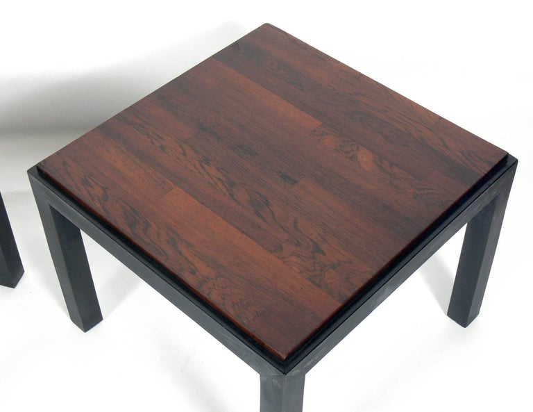 American Pair of Rosewood and Black Lacquer End Tables by Milo Baughman For Sale