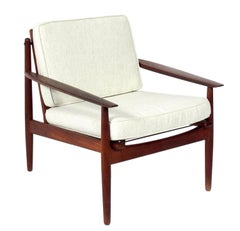 Danish Modern Lounge Chair by Arne Vodder