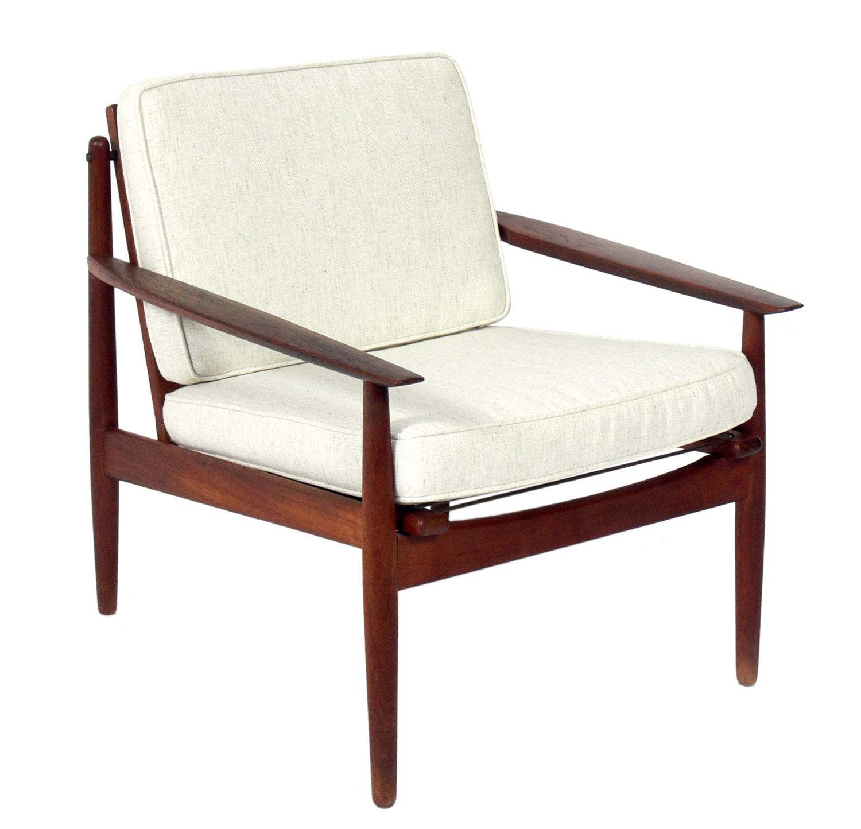 Danish Modern Lounge Chair by Arne Vodder