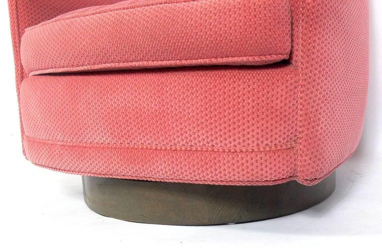 American Milo Baughman Swivel Chair For Sale