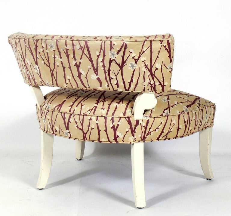 American Pair of Elegant Slipper Chairs in the Manner of Billy Haines For Sale