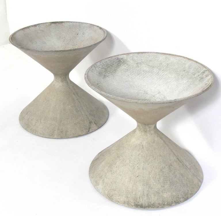 Mid-Century Modern Pair of Sculptural Planters by Willy Guhl for Eternit For Sale