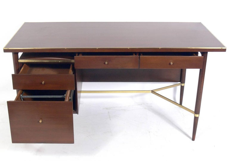 Mid-Century Modern Clean Lined Modern Desk by Paul McCobb For Sale