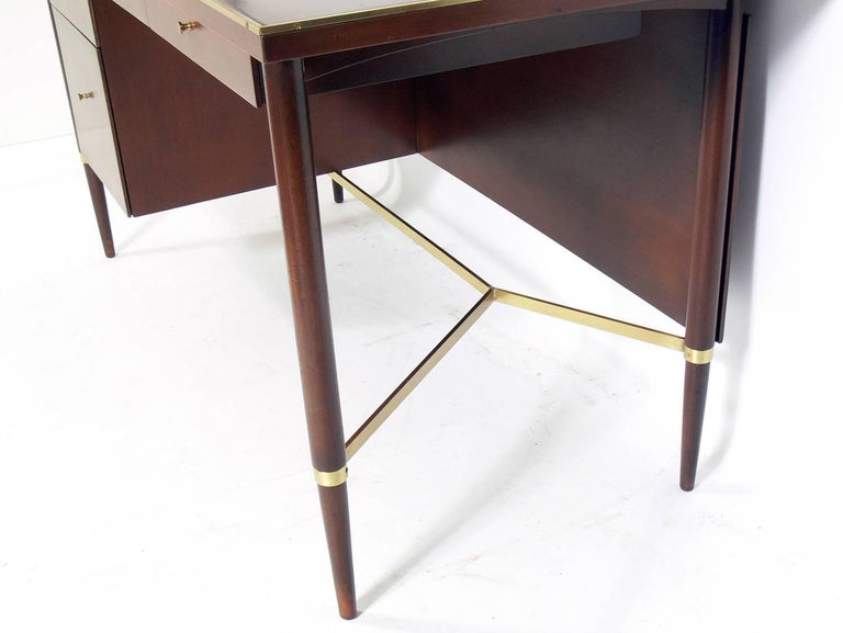 Mid-20th Century Clean Lined Modern Desk by Paul McCobb For Sale