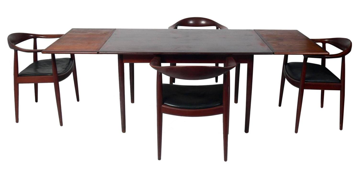 Danish Modern Rosewood Dining Table For Sale at 1stdibs