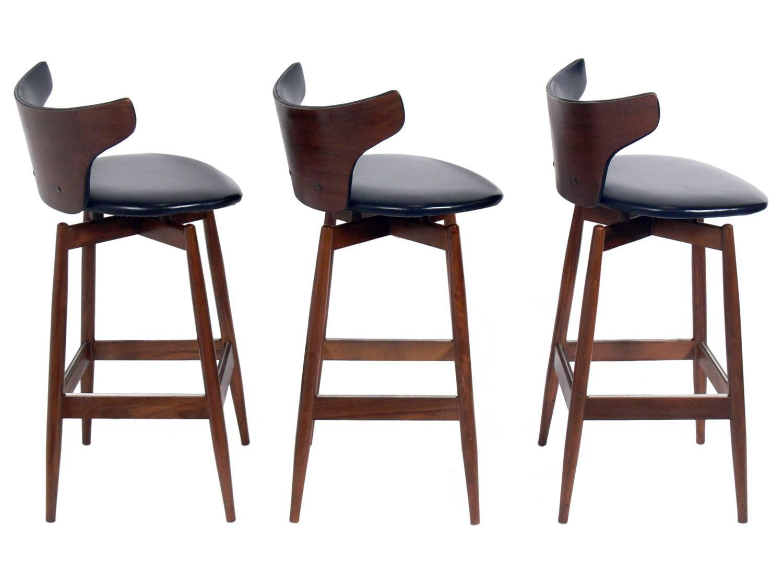 Set of Three Curvaceous Walnut Modern Bar Stools at 1stdibs : barstools2z from www.1stdibs.com size 1500 x 1075 jpeg 75kB