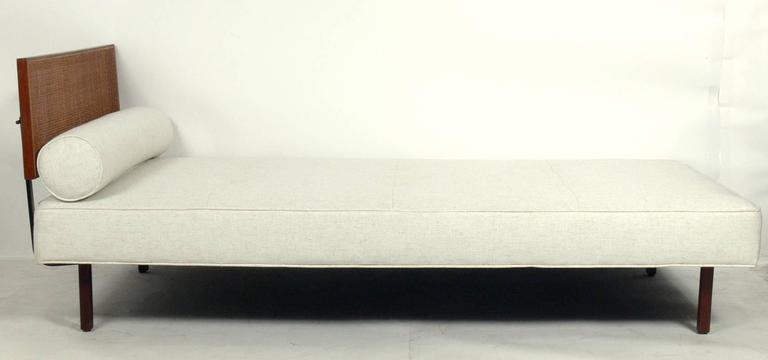 Mid-Century Modern Clean Lined Knoll Daybed For Sale