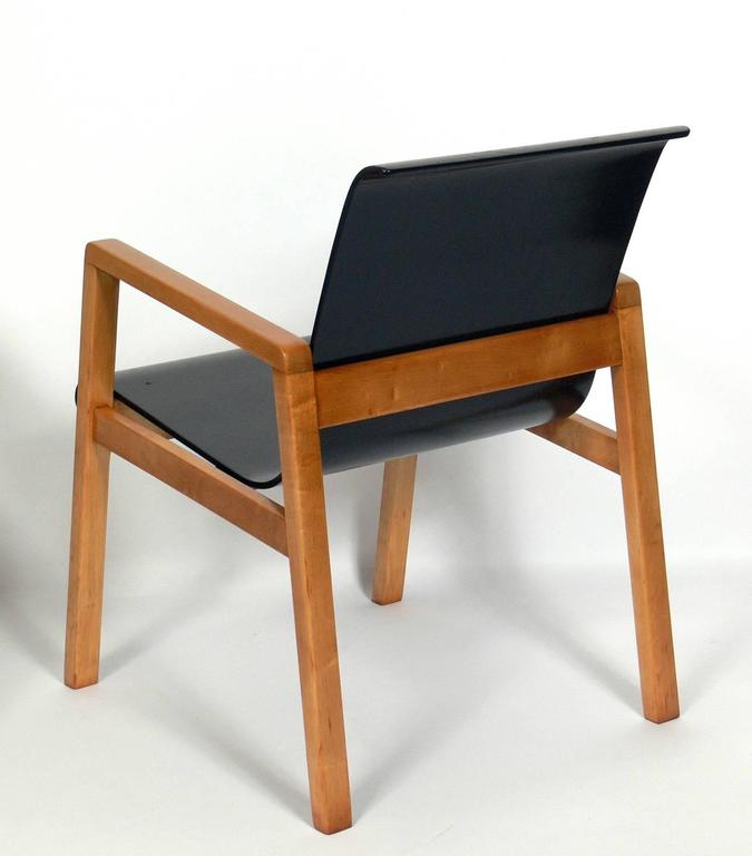 Finnish Pair of Bentwood Modern Lounge Chairs Designed by Alvar Aalto, circa 1940s For Sale
