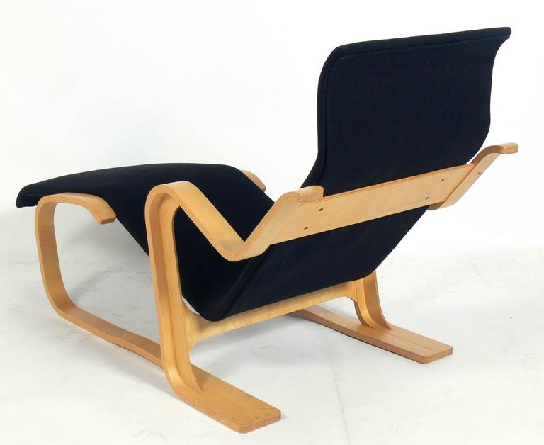 Sculptural bentwood chaise longue by marcel breuer at 1stdibs for Breuer chaise lounge