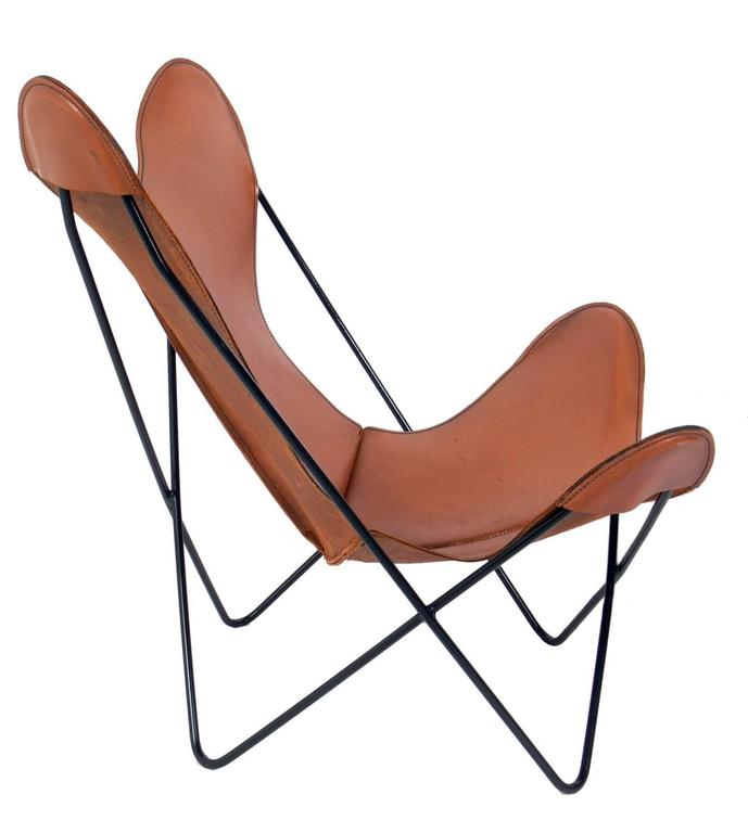 Mid Century Modern Sculptural Leather Butterfly Chairs Designed By Jorge  Ferrari Hardoy For Sale
