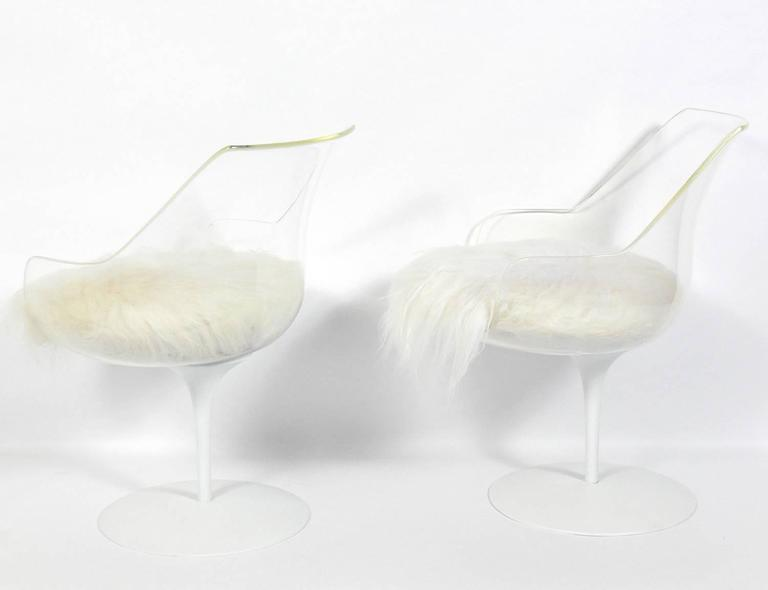 Mid-Century Modern Pair of Sculptural Lucite Chairs by Erwin and Estelle Laverne For Sale