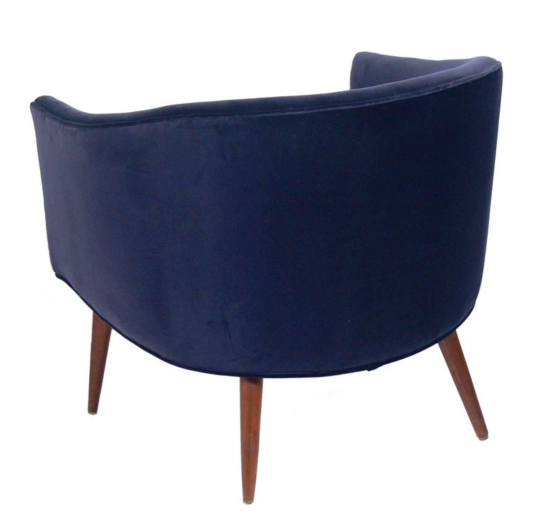 American Pair of Curvaceous Midcentury Tub Chairs For Sale