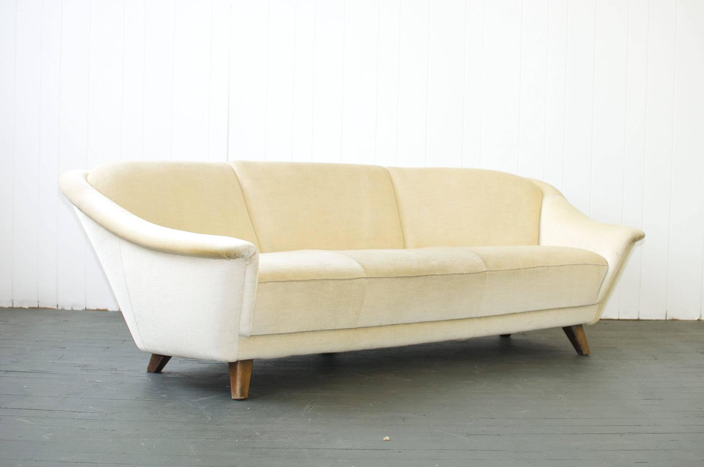 1950s curved german sofa for sale at 1stdibs. Black Bedroom Furniture Sets. Home Design Ideas