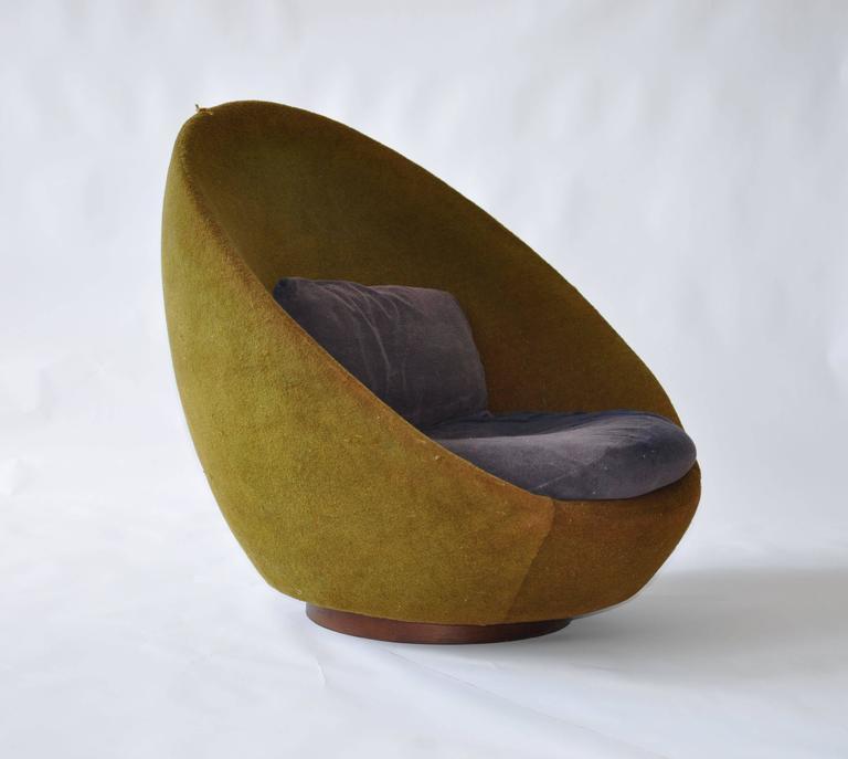 Rare Large Scale Milo Baughman Swivel Chair. Walnut Base. Thayer Coggin  Label.