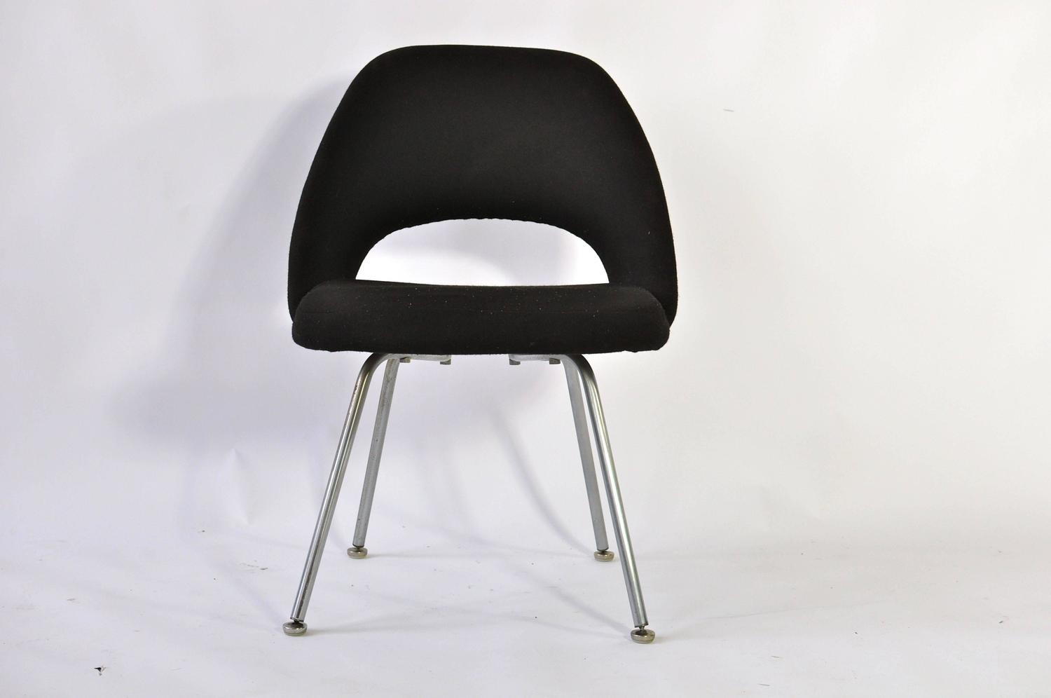 Set Of Four Vintage Eero Saarinen Chairs For Knoll For
