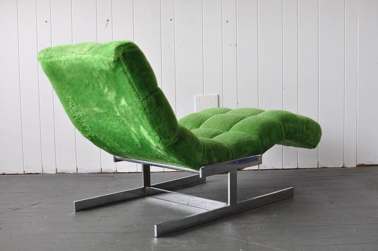 Mid-Century Modern Milo Baughman Style Chaise Longue For Sale