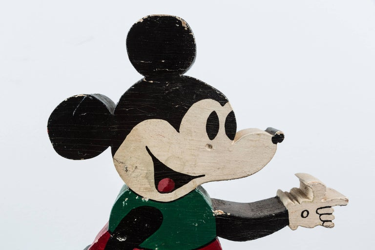 Vintage Wood Caved Folk Art Mickey Mouse and Minnie Mouse In Good Condition For Sale In Santa Monica, CA