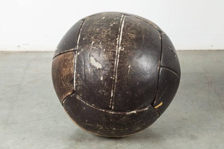 Collection of Three Black Vintage Leather Medicine Balls In Good Condition For Sale In Santa Monica, CA