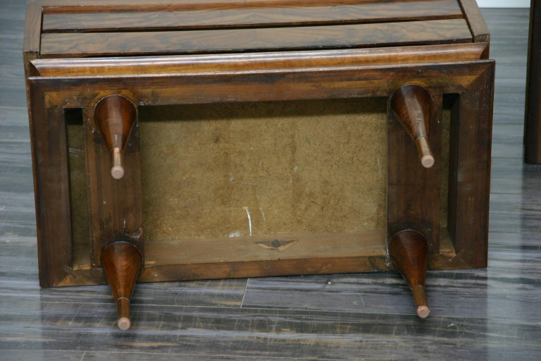 Post-Modern Pair of Gio Ponti Style Low Chest End Tables For Sale