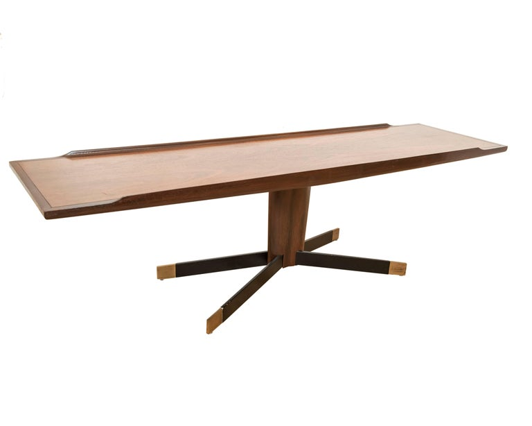 Hand-Crafted American Mid-Century Modern Pedestal Coffee / Cocktail Table in Wood For Sale
