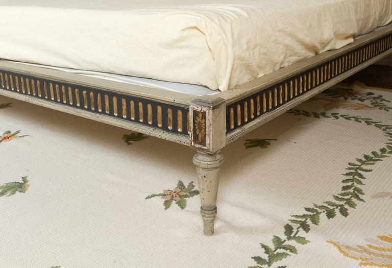 Maginificent Rare Louis XVI Style Bed For Sale 1