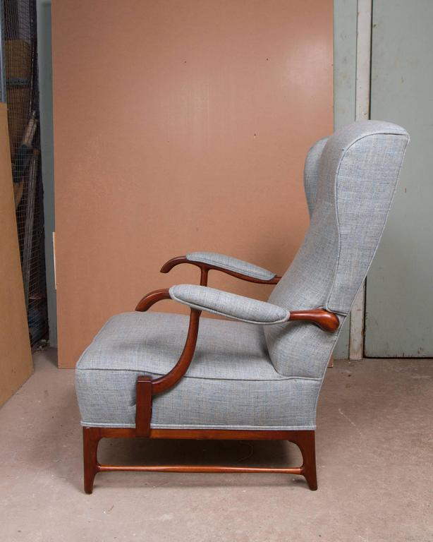 Italian Pair of Midcentury Wingback Armchairs by Paolo Buffa For Sale