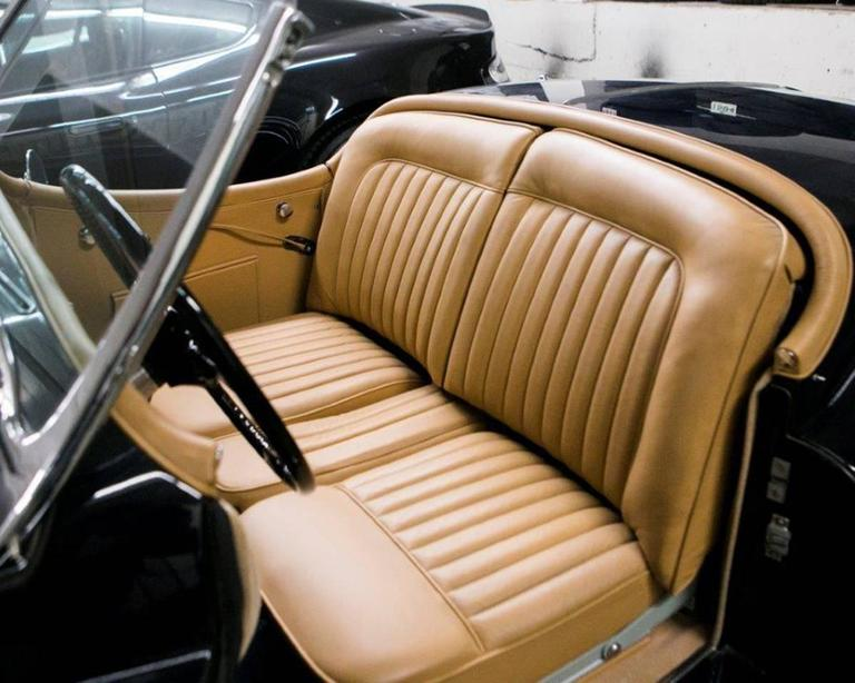 Vintage 1955 Jaguar XK 140MC OTS Navy Blue Car In Excellent Condition For Sale In Montreal, QC