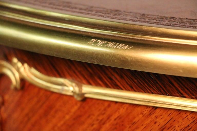 Louis XV Style Desk a Rognon For Sale 1