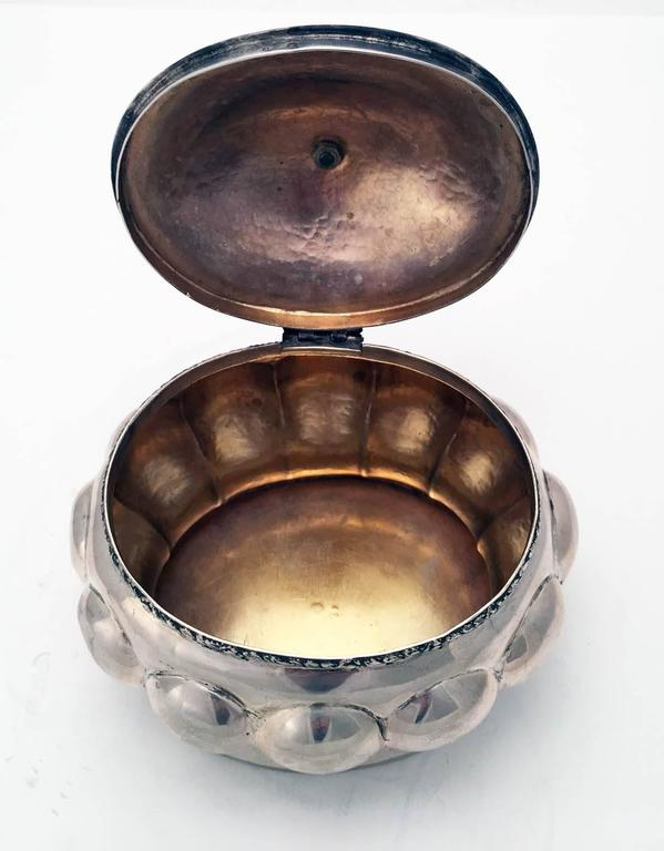 Austrian Secessionist Silver Sugar or Etrog Box In Excellent Condition For Sale In Montreal, QC