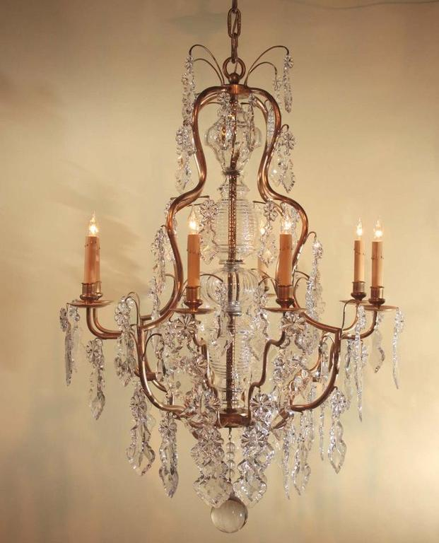 Louis XV Style Gilt Bronze and Crystal Chandelier In Good Condition For Sale In Montreal, QC
