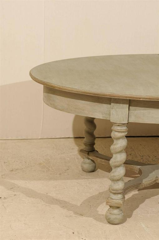 Swedish Baroque Style Oval Table from the Mid-20th Century For Sale 4