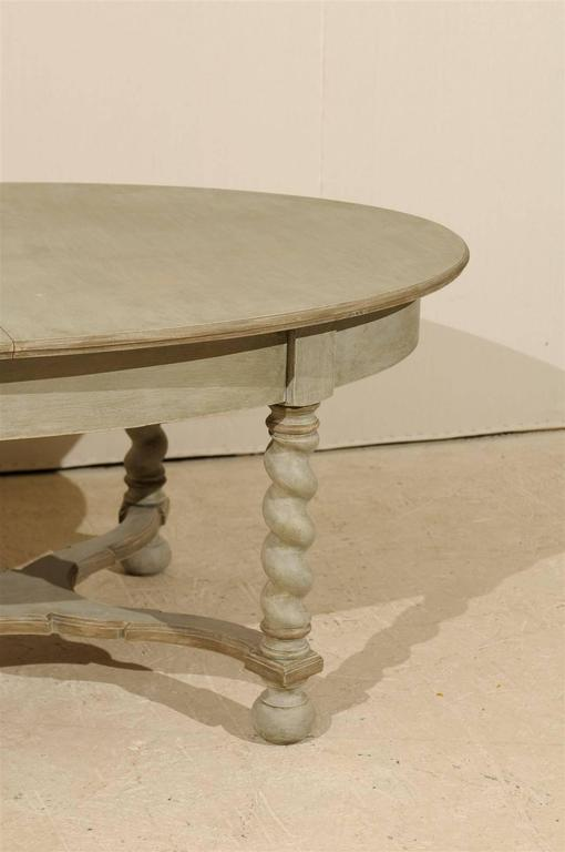 Swedish Baroque Style Oval Table from the Mid-20th Century For Sale 3