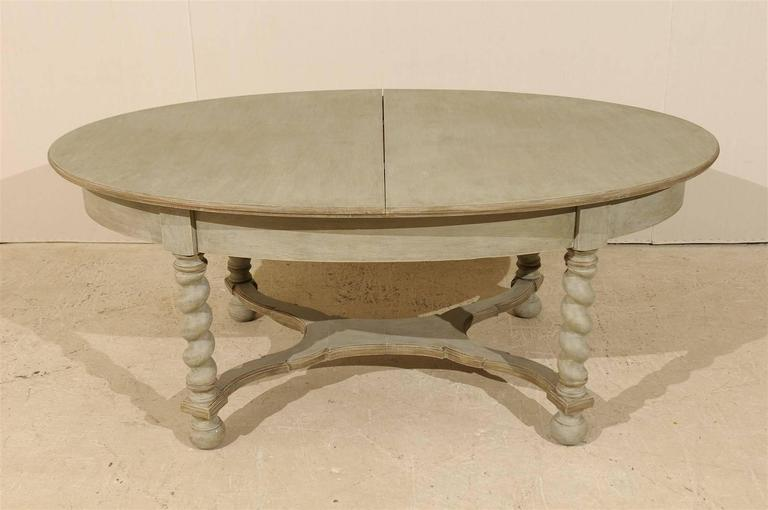 Swedish Baroque Style Oval Table from the Mid-20th Century In Good Condition For Sale In Atlanta, GA