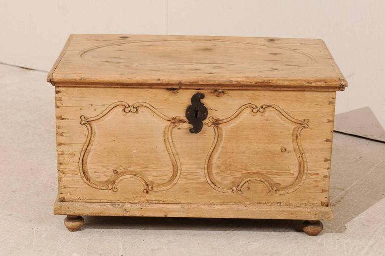 19th Century Pine Wood Coffer or Trunk with Shield-Like Carvings on the Front In Good Condition For Sale In Atlanta, GA