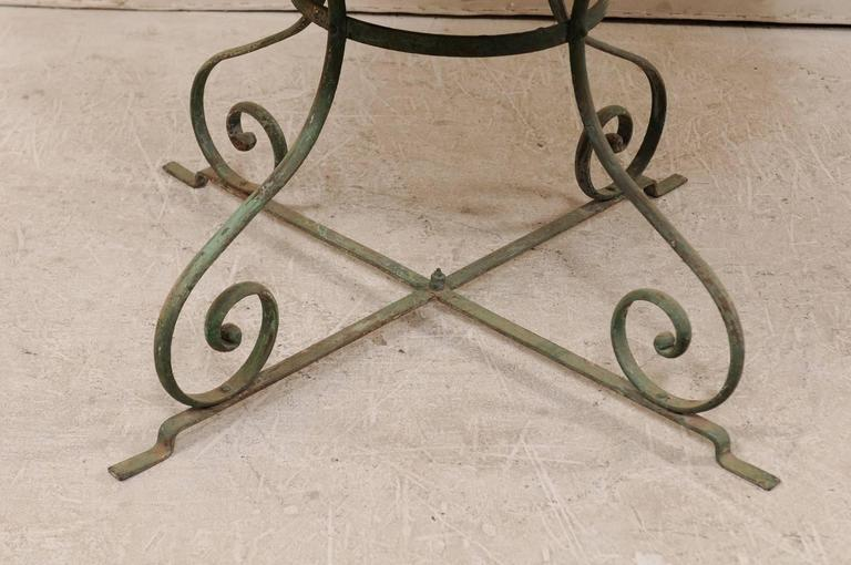 French Mid-20th Century Round Patio Dining Table with Scrolled Legs and Patina For Sale 4