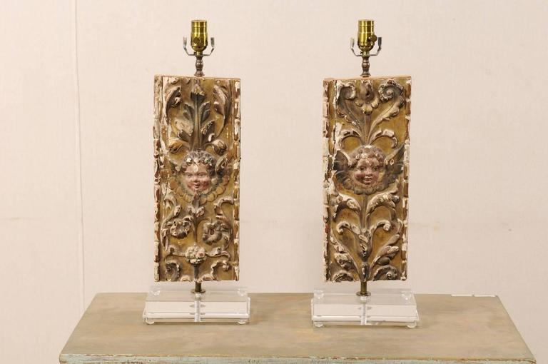 French Pair of Italian 18th Century Gilded and Carved Wood Fragment Table Lamps For Sale