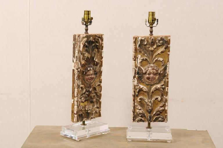 Metal Pair of Italian 18th Century Gilded and Carved Wood Fragment Table Lamps For Sale
