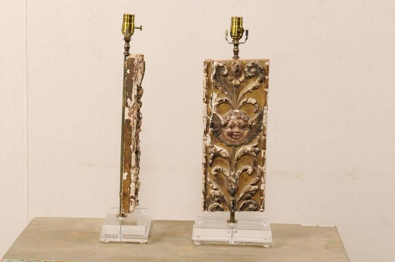 Pair of Italian 18th Century Gilded and Carved Wood Fragment Table Lamps For Sale 2