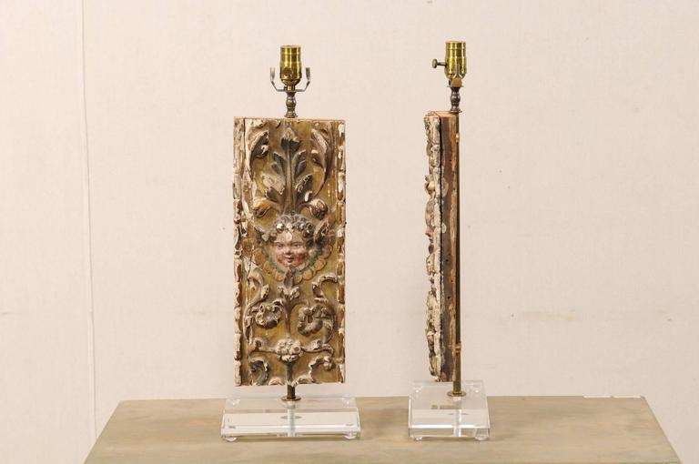 Pair of Italian 18th Century Gilded and Carved Wood Fragment Table Lamps For Sale 4