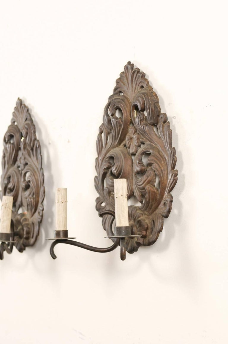 Tôle Pair of Italian Tole Two-Light Sconces with Scrolling Acanthus Leaf Backplates For Sale