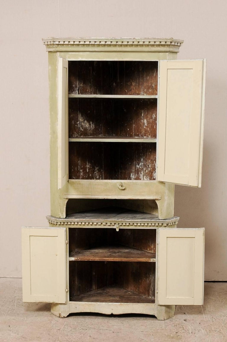 Swedish Late 18th Century Period Gustavian Tall Painted Wood Corner Cabinet For Sale 3