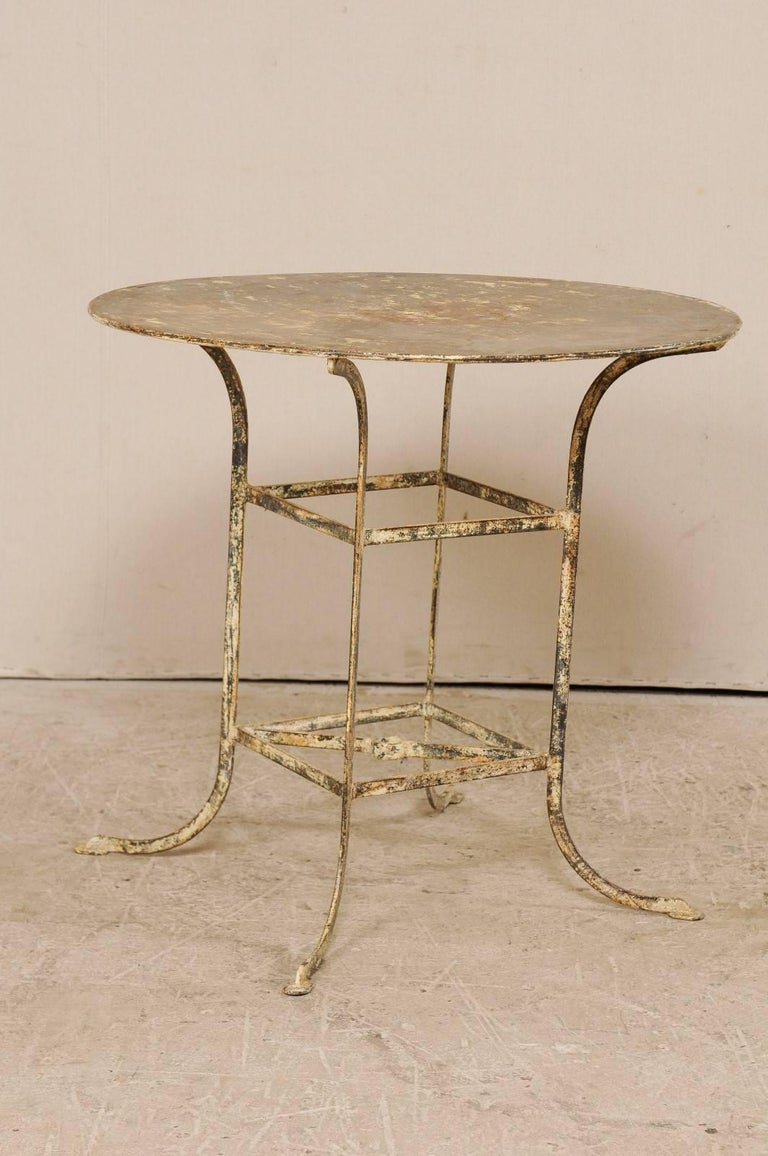 French mid 20th century round shaped metal bistro table for Mid century bistro table