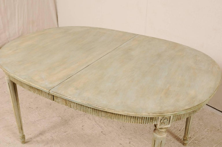 20th Century Swedish Gustavian Style Vintage Painted Wood Medium Size Oval Table For Sale