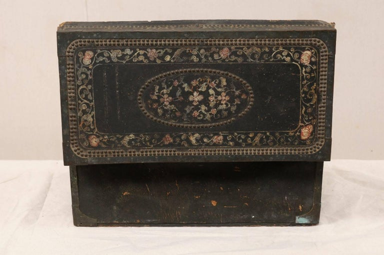 19th Century Chinese Camphor Wood and Leather Trunk with Hand-Painted Flowers For Sale 3