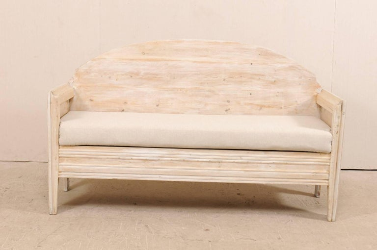 Early 19th Century Swedish Sofa Bench with Nicely Arched Back on Bracket Legs 2